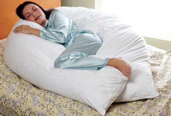 Как правильно спать с подушкой подковой для беременных