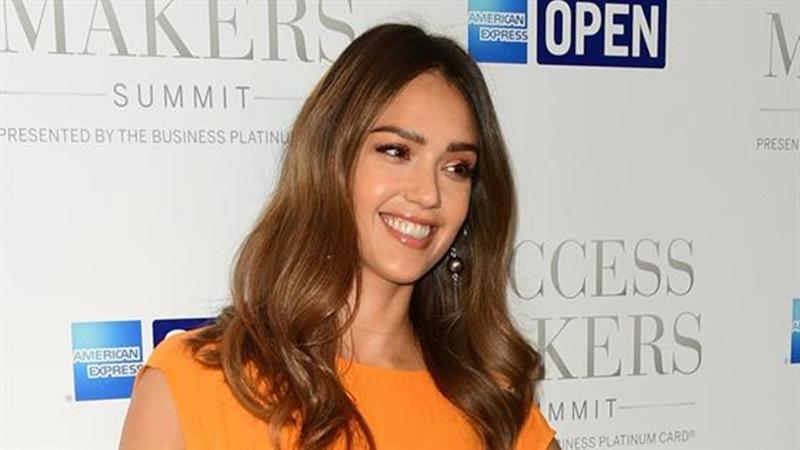 Kabar Gembira: Aktris Cantik Jessica Alba Hamil Anak Ketiga