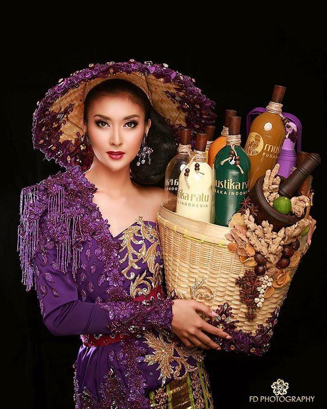 Berkat Kostum Mbok Jamu Gendong, Kevin Lilliana Jadi Miss International 2017