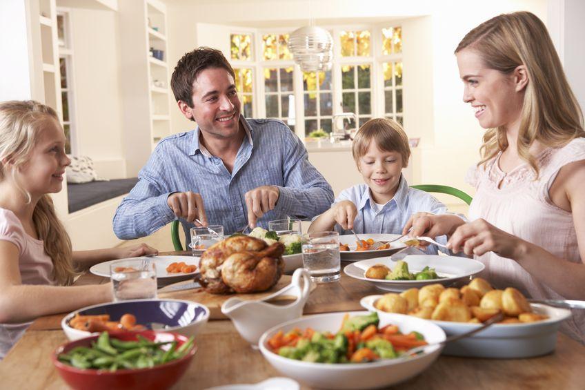 Image result for makan petang bersama keluarga