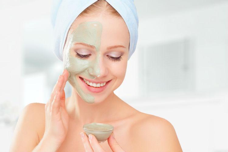 លទ្ធផលរូបភាពសម្រាប់ Gunakan masker wajah