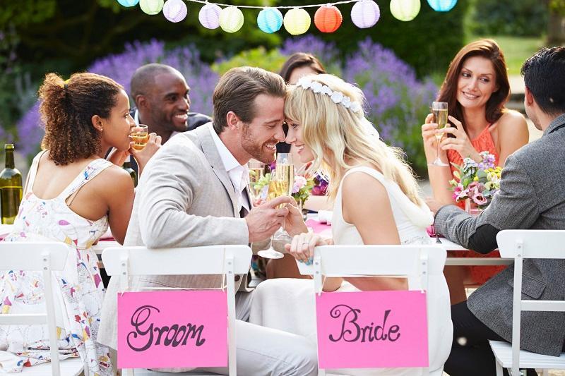 Inilah 4 Hal Yang Menentukan Besarnya Angpau Pernikahan Yang Anda Berikan