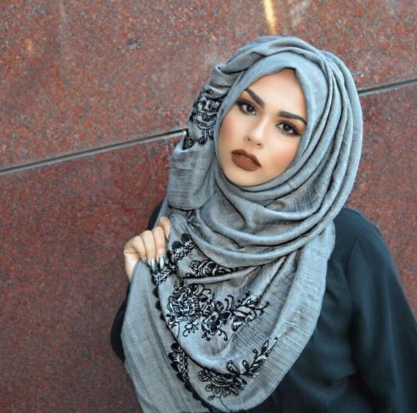 Padu Padan Warna Hijab Dan Lipstik Yang Sesuai Untuk Lebaran Womantalk