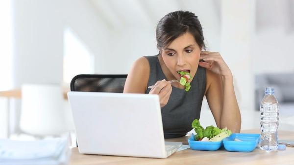 3 Tips Menyiapkan Menu Makan Sehat Untuk Anda yang Sibuk Bekerja