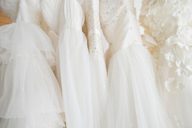 5 Trik Membuat Gaun Pernikahan Terlihat Mahal Womantalk