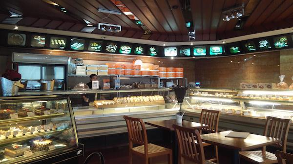 Vineth: Toko Roti Legendaris di Panglima Polim