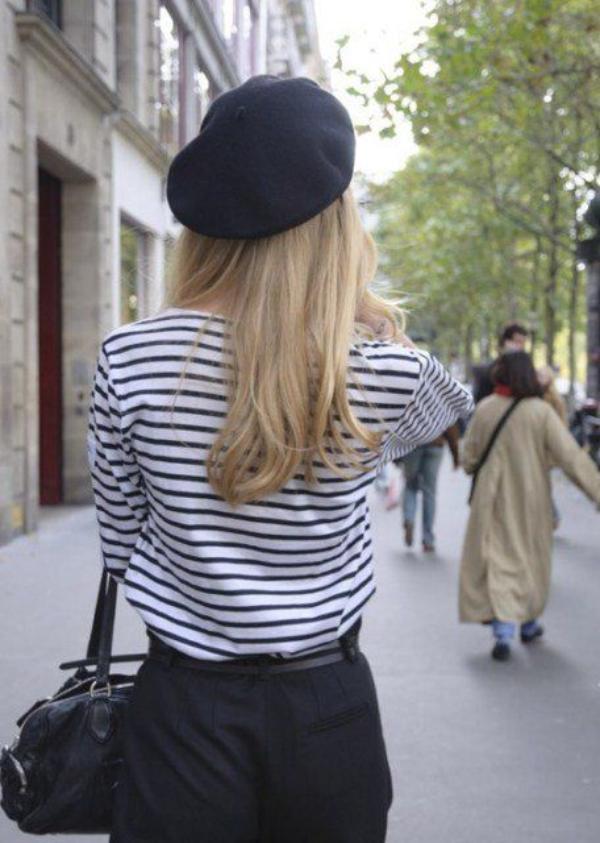 Bergaya Ala Parisian Chic Dengan Padu Padan Topi Baret Womantalk