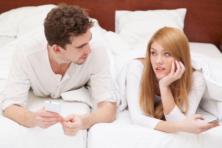 Udah Menikah Tapi sering Bahas Masa Lalu, Salahkah?