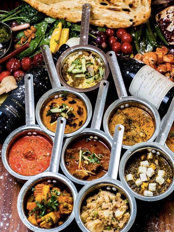 8 Kesalahan Yang Anda Lakukan Saat Makan Di Restoran India