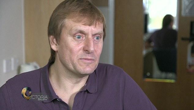 Simon Mengaku Punya 800 Anak dari Hasil Mendonorkan Sperma