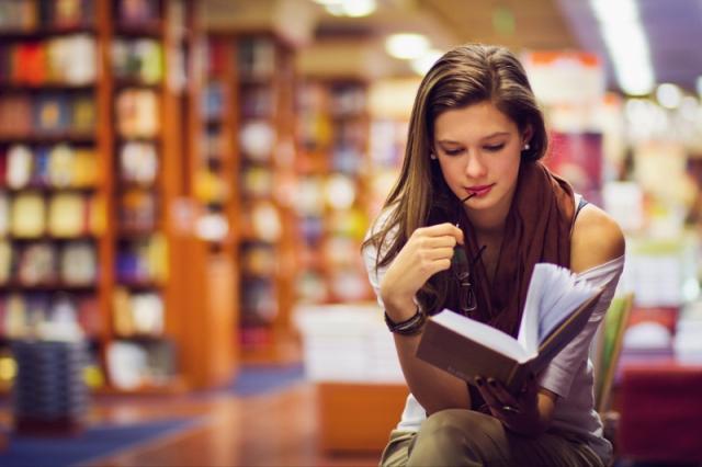 Rahasia Orang-Orang Sukses: Kebiasaan Membaca! - Womantalk