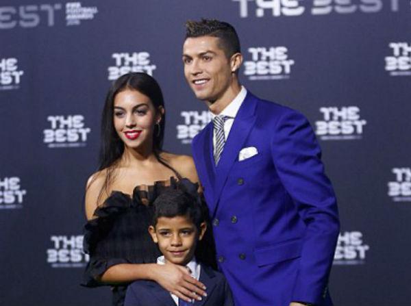 7 Hal Tentang Kekasih Baru Cristiano Ronaldo