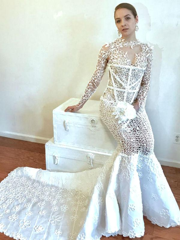Cantiknya Gaun Pengantin Yang Terbuat Dari Kertas Tisu