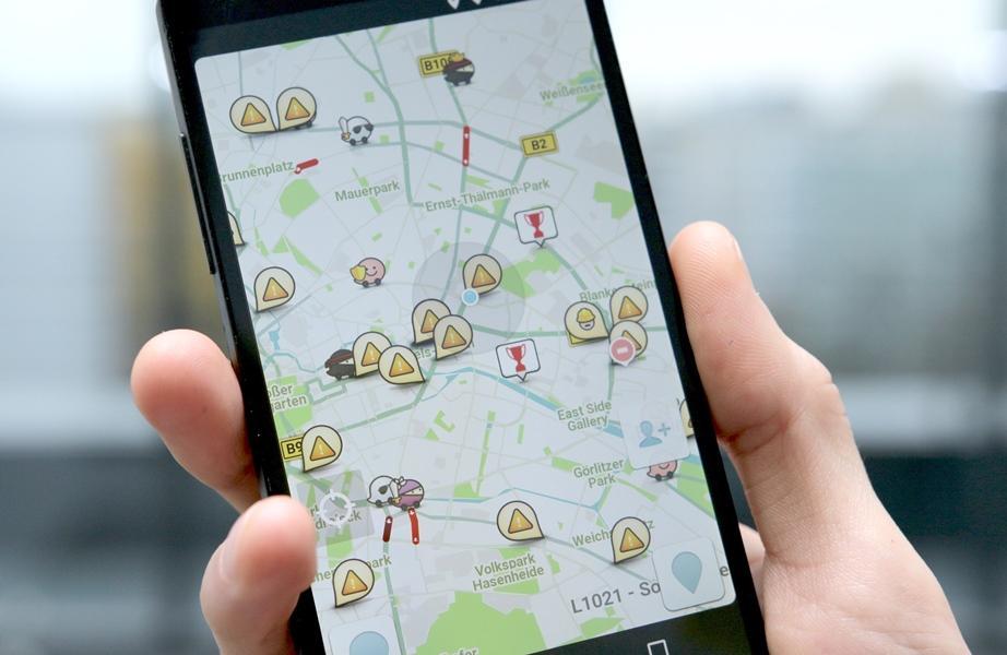 Google Maps Versus Waze, Mana yang Lebih Praktis Untuk Menemani Mudik?