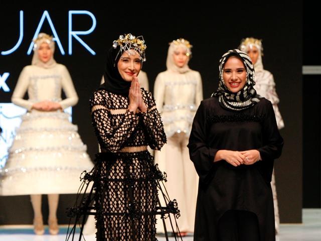 Cantiknya Busana Muslim Batik Tulis Kontemporer Dari Khanaan Shamlan