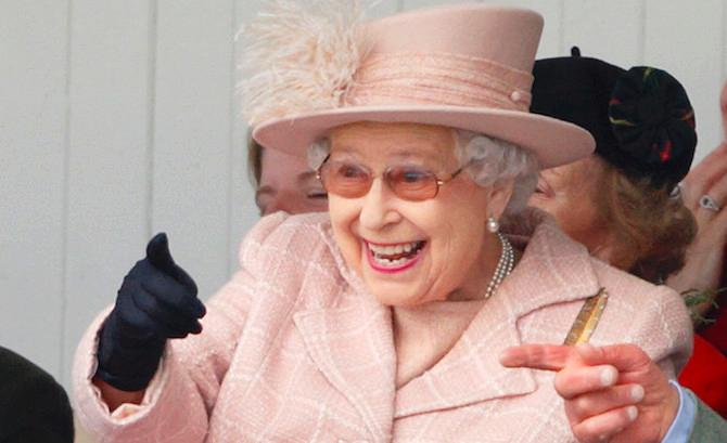 Ratu Elizabeth Ternyata Jagonya Mengadakan Pesta